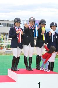 佐藤泰選手は二段階障害飛越競技5連覇を達成!